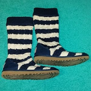 UGG SIZE 6 CABLE KNIT TALL CLASSIC STRIPES